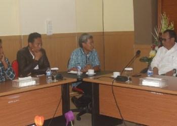 Kepala Balai Perikanan Budidaya Laut Bbatam bersama Bupati Mentawai. (ers)