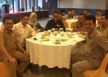Lokakarya potensi pajak dan retribusi Kota Padang yang diadakan Dipenda, Senin (31/10). (baim)