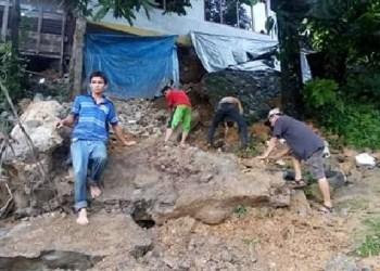 Rumah terban di Kel. Batang Arau, Kec.Padang Selatan. (baim)