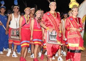 Kontingen Mentawai di Pembukaan Porprov XIV. (ers)