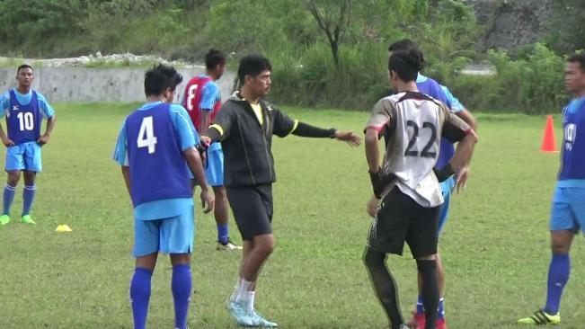Jelang Piala Presiden, Pasukan Kabau Sirah dibawah asuhan Nilmaizar, intensifkan latihan. (dio)