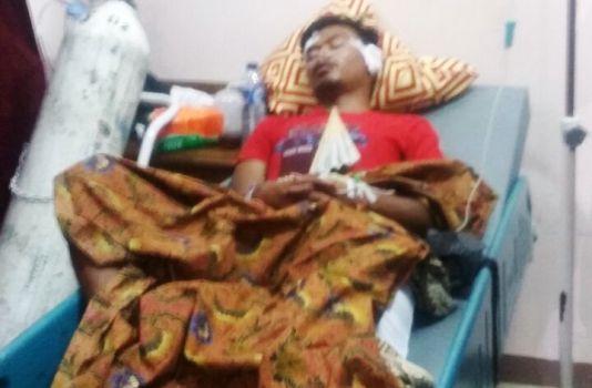 Debi, anggota Pemuda Pancasila Kabupaten Solok yang mengalami kecelakaan tengah daalam perawatan di RSUD Solok. (ist)