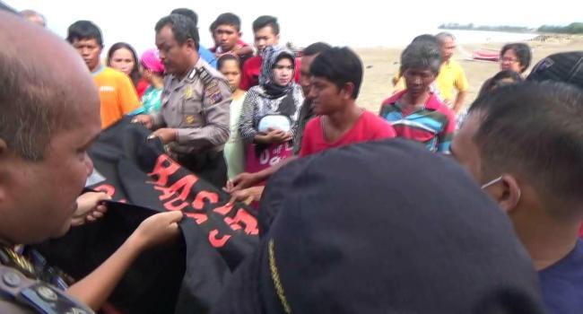 Penemuan mayat di Pantai Padang, Kamis (9/2). (dio)
