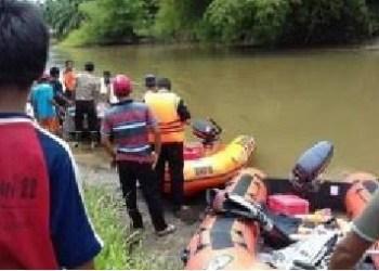 Pencarian korban tenggelam di Sungai Batang Masang. (fajar)