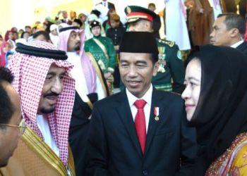 Presiden RI Joko Widodo mempertemukan Raja Salman Bin Abdul Aziz dengan Puan Maharani, setelah Raja Arab Saudi itu menanyakan cucu Presiden RI pertama Soekarno di Istana Bogor. (Humas Set. Presiden)