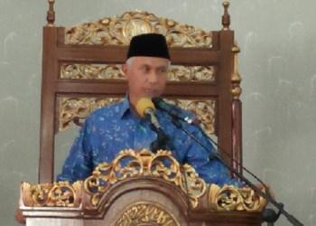 Walikota Padang meresmikan perubahan status musala Al-Hikmah menjadi masjid. (der)