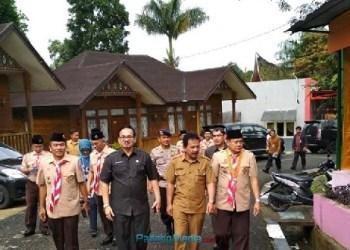 Sejumlah pejabat terkait menghadiri pembukaan jambore PIK R/M di Mifan, Padangpanjang. (foto: humas)