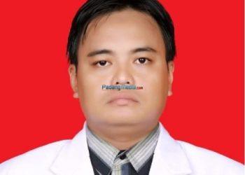 dr.Chandra. (spesialis kebidanan dan kandungan, bertugas di Mentawai)