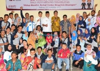 Edukasi keuangan bagi penyandang disabilitas di Kota Padang, Rabu (13/12). (der)