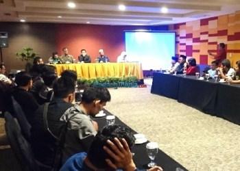 Ketum PKB Muhaimin Iskandar ketika dialog dengan sejumlah awak media di Kota Padang, Selasa, 5 Desember 2017 malam. (baim)