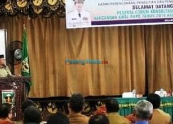 Konsultasi publik yang digelar Pemkab Sijunjung untuk menyerap aspiras warga. (tumpak)