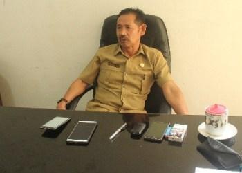 Kepala Dinas Dukcapil Mentawai, Tarcisius Sakeru. (ers)