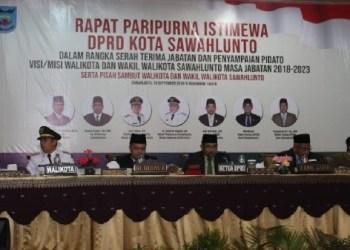 Rapat paripurna istimewa DPRD Kota Sawahlunto terkait penetapan walikota-wakil walikota Sawahlunto terpilih. (tumpak)