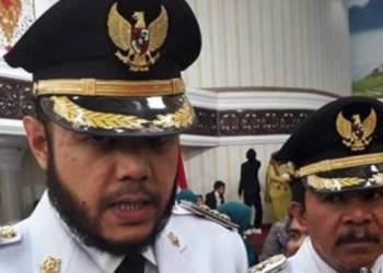 Pelantikan Wako-wawako Padangpanjang dan Wako-Wawako Padang Pariaman di aula kantor Gubernur Sumbar, Selasa (9/10). (ist)