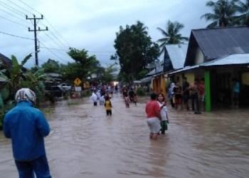 Banjir di Lubuk Basung, Agam. (fajar)