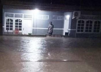 Banjir akibat luapan Kali Item di Sawahlunto. (tumpak)