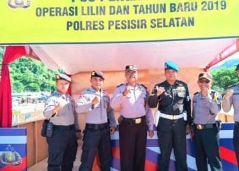 Pemantauan Pos Pengamanan Operasi Lilin Singgalang. (rio)
