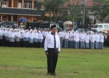 Upacara peringatan HAB Kemenag ke 73 di Padangpanjang. (de)