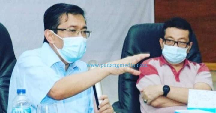 Dr Andani Eka Putra bersama Jubir Satgas Covid-19 Provinsi Sumbar Jasman Rizal. (Dokumen pribadi Jasman Rizal)
