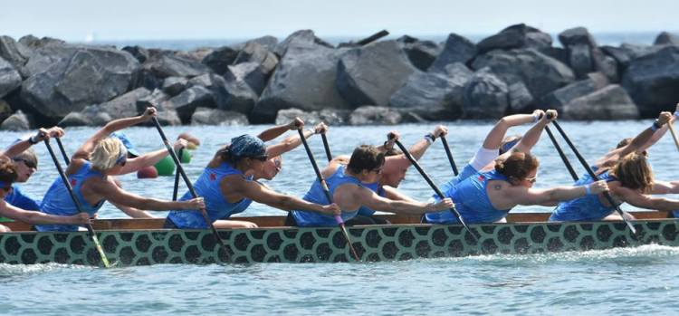 Outer Harbour Senior Women in Toronto; paddlechica in more recent days of development
