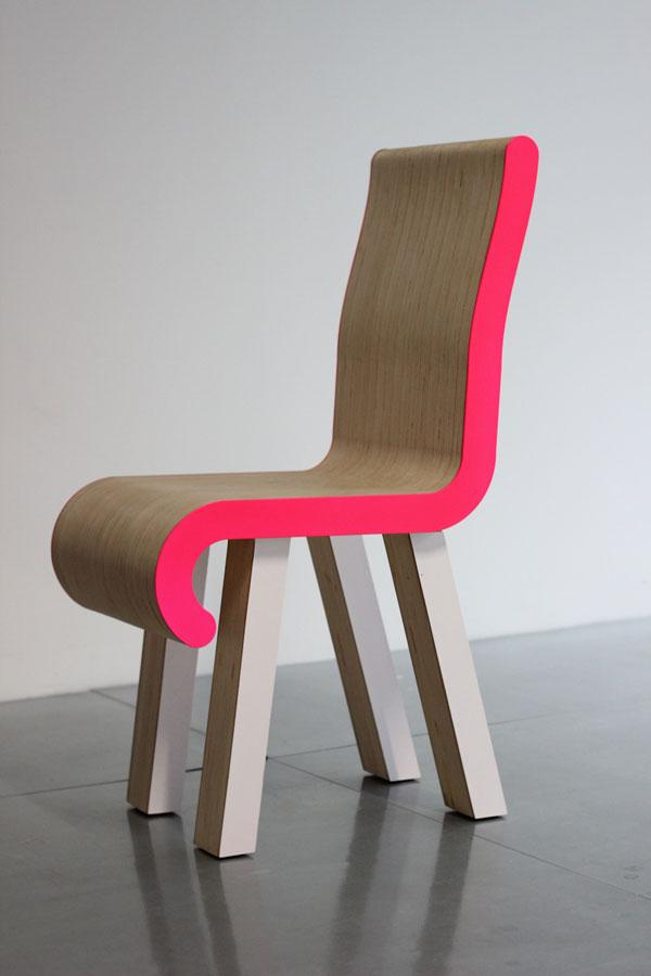 klintiss, chaise, assise, bois peuplier, vernis, rose, pantone, pade design