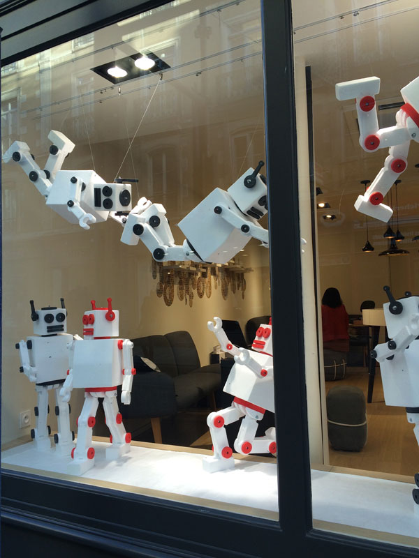 vitrine robots, visual merchandising, opticiens colliaux, rennes, pade design