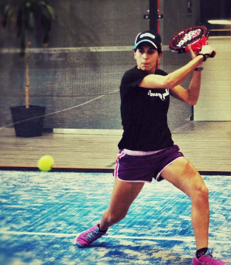 Laura Morales El movimiento del cuerpo, el jugar con volumen y el jugar las bolas con consciencia