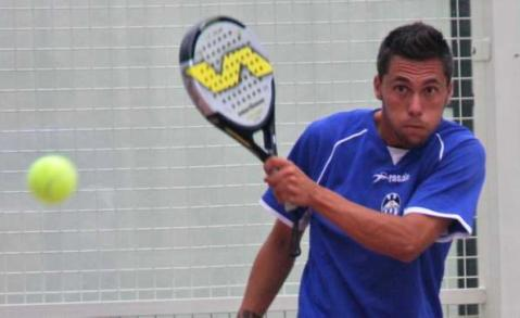 Omar Monterde Alcoyano Padelgood A falta de césped... pádel