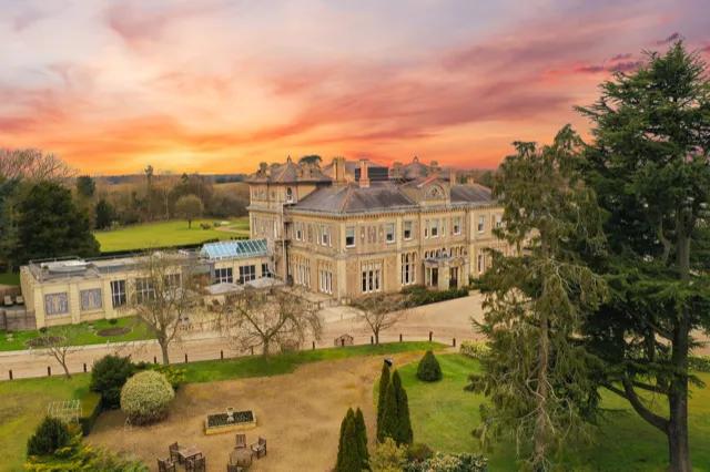 Padel United UK Seek Head Coach – Down Hall Hotel, Spa & Estate