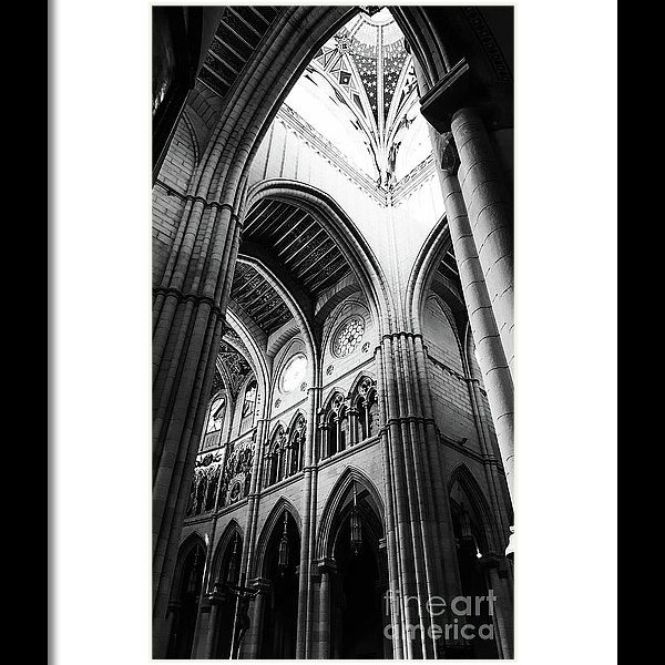 black-and-white-almudena-cathedral-interior-print