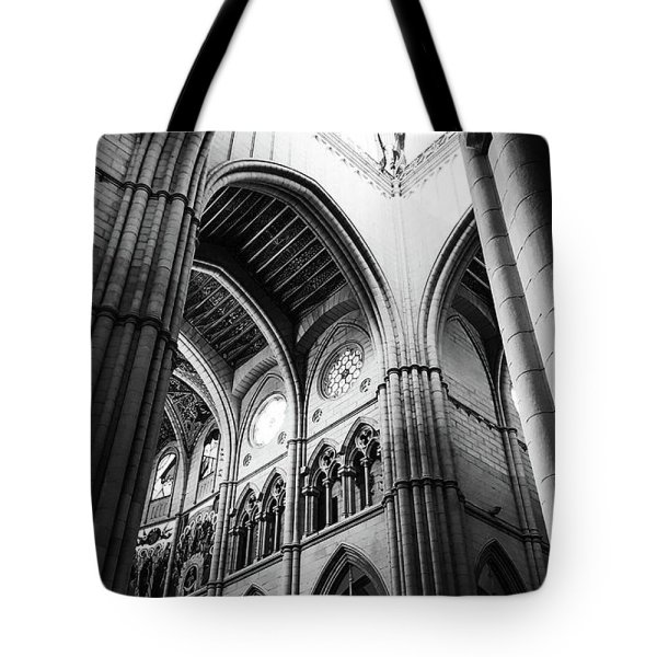 black-and-white-almudena-cathedral-interior-tote-bag