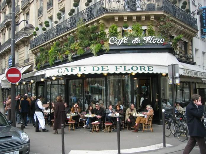 nombre de cafeterias famosas en paris