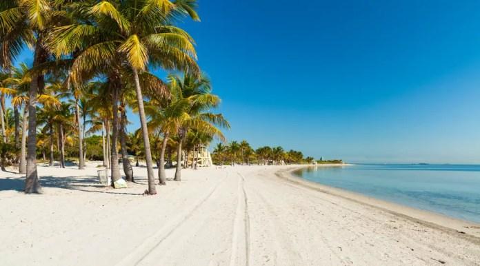 crandon-park-beach