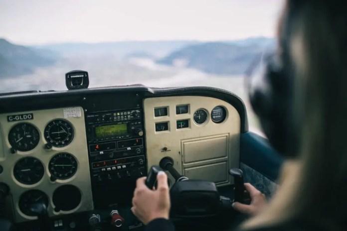 piloto de avion comercial