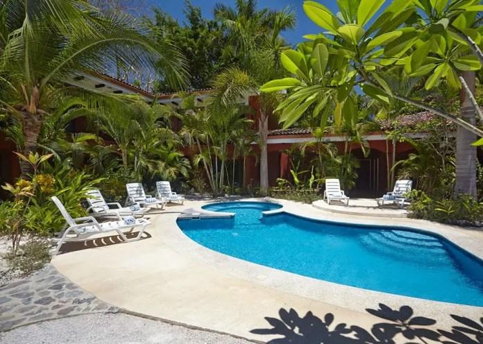 hoteles de playa en costa rica economicos