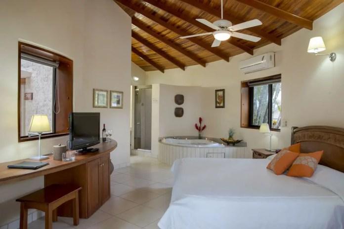 hoteles en costa rica baratos