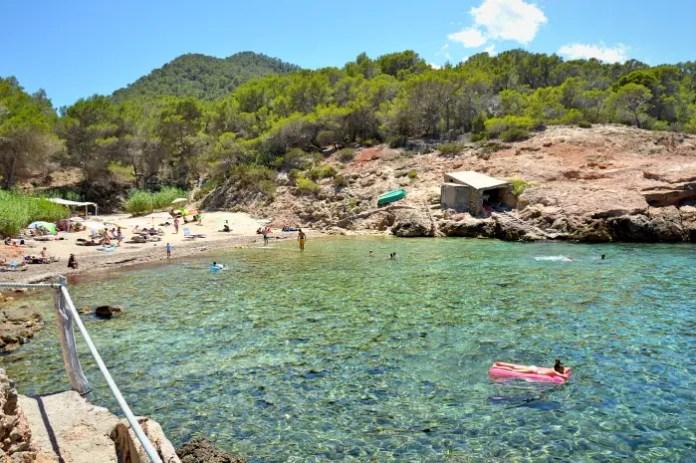 playas mas populares de ibiza