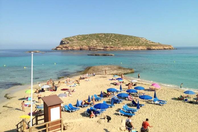playa principal de ibiza