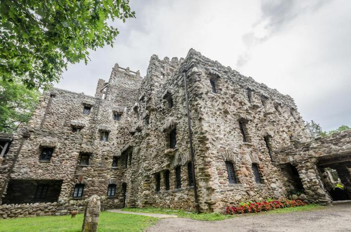 castillos embrujados en estados unidos