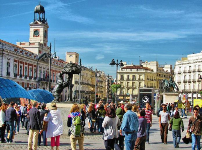 Turismo en Madrid: visita la Puerta del Sol