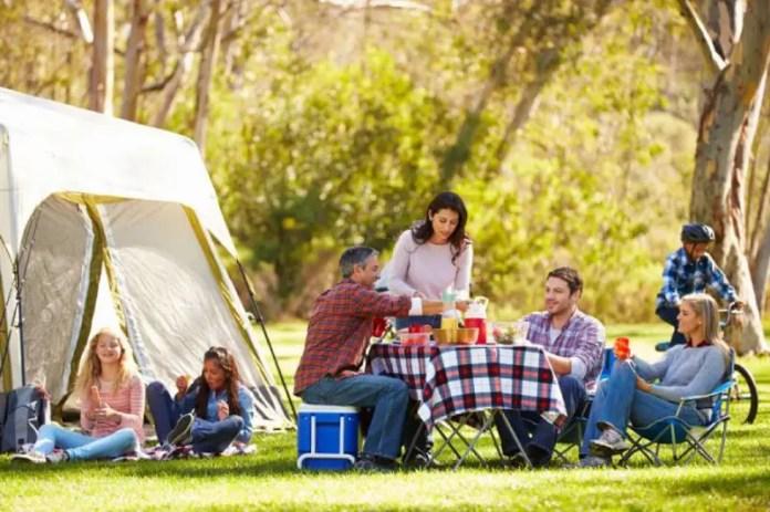 Qué llevar a un camping con niños