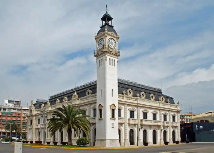 Edificio del Reloj puerto de Valencia