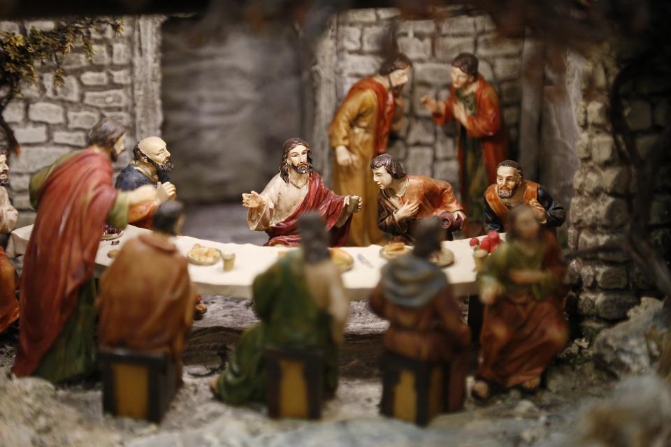 Trahir sa foi, c'est trahir les Apôtres, qui ont donné leur vie pour que cet héritage parvienne jusqu'à nous.