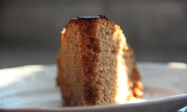 Receitas cá de casa: Bolo delícia de azeite, mel e canela