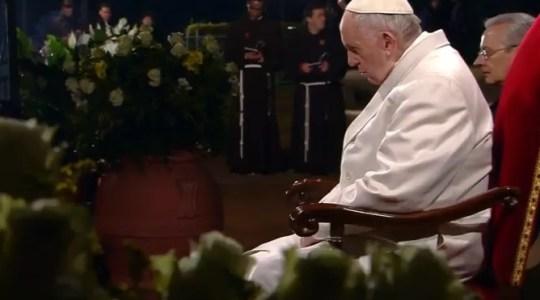 Droga Krzyżowa z papieżem na żywo  (Vatican Service News -30.03.2018)