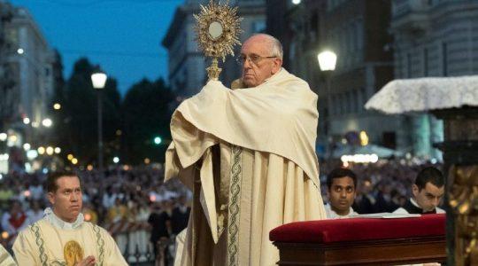 Ojciec Święty - uroczystość Bożego Ciała (Vatican Service News - 04.06.2018)