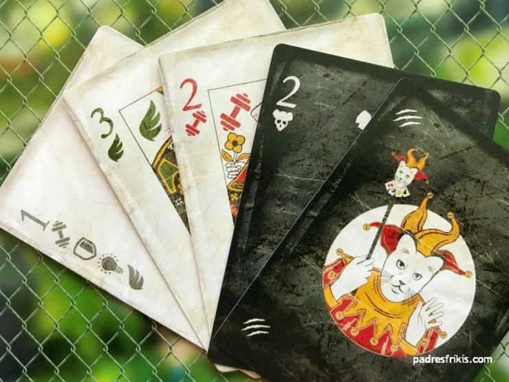 El jugador recibe 5 Cartas de Acción