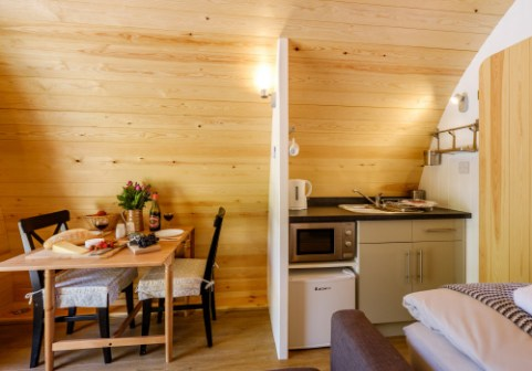 Padstow-creek-holiday-accommodation-cornwall-luxury-glamping-pods2-1