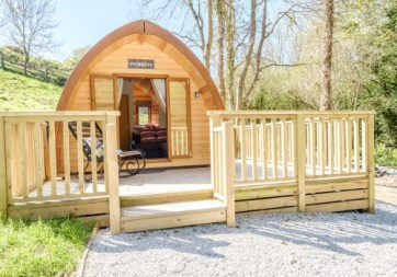 Padstow-creek-holiday-accommodation-cornwall-luxury-glamping-pods2-4