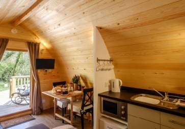 Padstow-creek-holiday-accommodation-cornwall-luxury-glamping-pods2-5